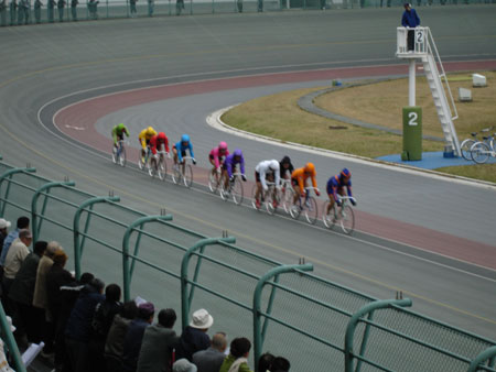 http://www.fecalface.com/blogs/giant/1/keirin3.jpg