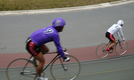 http://www.fecalface.com/blogs/giant/1/keirin5.jpg