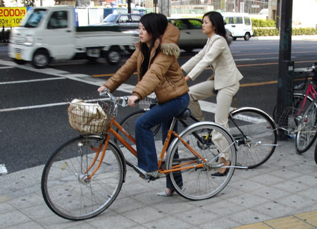 http://www.fecalface.com/blogs/giant/2/girls_bikes.jpg