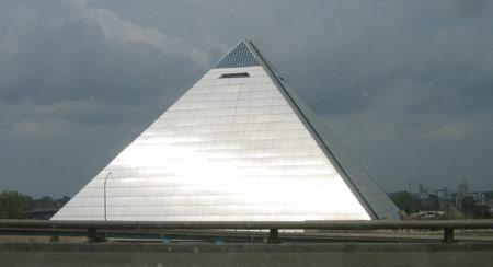 35 memphis-pyramid.jpg