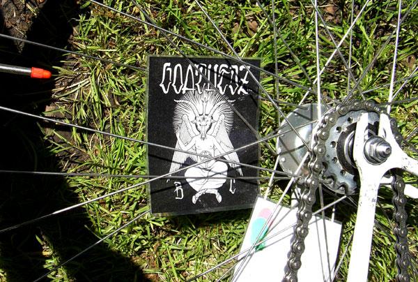 grassy_bike.jpg