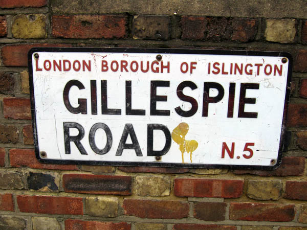 gillespieroadsign.jpg